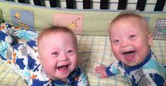 Da hun ble gravid som 44-åring visste Julie at det var større sjanse for å få tvillinger eller et barn med Downs syndrom. Men de hadde aldri trodd begge deler ville skje.