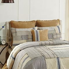 The 8 Best Bedding Sets for guys [June 2020] - Famrhouse Bedding Set Farmhouse Style Bedding, Modern Farmhouse Style, Duvet Cover Sets, Pillow Covers, Burlap Throw Pillows, European Pillows, Country Quilts, Best Bedding Sets, Scrappy Quilts