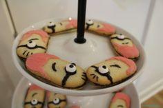 minion baby shower milano cookies