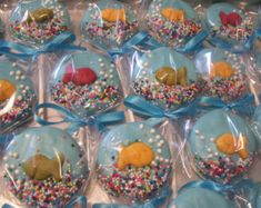 Fish bowl Oreo Pop or Cat in the Hat theme Marshmallow Pops Pretzel Rods or Oreo Pops Chocolate Favors 1 dozen Fish Bowl Oreo Pops or Cat in the Hat Marshmallow Pops Dr Seuss Chocolate Covered Pops Red Chocolate, Chocolate Favors, Chocolate Covered Oreos, Chocolate Tarts, Cookie Pops, Oreo Pops, Marshmallow Pops, Mermaid Birthday, 2nd Birthday