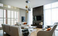 Fernseher-Wand-montieren-Wohnzimmer-anthrazitgraue-wandpaneele