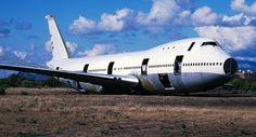 747-dashing-wave-at-ariz.jpg 906×488 pixels