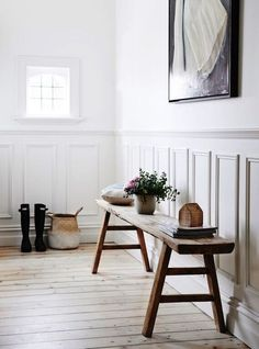 6 Gorgeous ways to use a wooden bench in your dreamy home - Daily Dream Decor Hallway Bench Seat, Hall Bench, Wooden Bench Seat, Wooden Benches, Wainscoting Stairs, Wainscoting Height, Black Wainscoting, Wainscoting Nursery, Wainscoting Kitchen