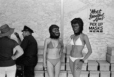 Most Beautiful Apes Garry Winogrand - artist - photographer Garry Winogrand, Street Photography, Fashion Photography, Modern Photography, Lee Friedlander, No Bad Days, New York Photographers, Beauty Contest, Planet Of The Apes