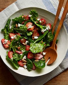 If preparing this salad ahead of time, add all the ingredients to the vinaigrette with the exception of the spinach, then add the spinach on top and let stand until ready to toss.
