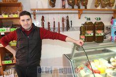 http://www.eltriangulo.es/contenidos/?p=66580 El triángulo » Carnicería Rubén en Onda vende 5 litros de aceite por 16 euros