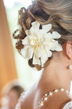 messy loose curls wedding updo with gardenia Mod Wedding, Wedding Updo, Wedding Hairstyles, Blue Wedding, Wedding Bells, Summer Wedding, Wedding Colors, Wedding Ceremony, Dream Wedding