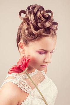 MUA  Marina Villanueva Estilismo  Ernesto Terrón Modelo  Anita Terfea   wedding  bridal  hairdo  hairdressing 16e8b0c3834