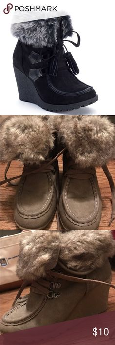 Brown Wedge Suede Booties with Fur Lining Brown Wedge Suede Booties with Fur Lining 🌟 Offers accepted! 🌟 Bundles accepted! 🌟 15% off 2+ items ❌ trades ❌ PayPal **first photo is a different but similar style Shoes Ankle Boots & Booties
