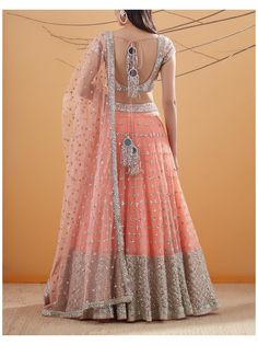 Indian Dresses For Women, Indian Fashion Dresses, Indian Gowns Dresses, Dress Indian Style, Indian Designer Outfits, Bridal Dresses, Latest Bridal Lehenga, Designer Bridal Lehenga, Bridal Lehenga Choli