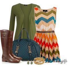 Me encanta esta moda, especialmente el vestido y las botas. Pienso que cambiare la bolsa a un color anaranjado.