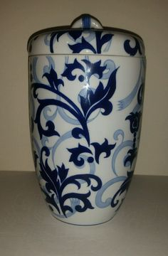 """BEAUTIFUL BLUE & WHITE COVERED JAR W/ PRETTY SCROLL DESIGN 11"""" in Collectibles, Cultures & Ethnicities, Asian 