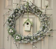Make decorative outdoor wreaths to adorn your door. These spring wreaths will help you forget the dark days of winter and usher in the season of rebirth! With 28 Decorative Front Door Wreaths for Spring, you'll be ready to change seasons in no time. Wreath Crafts, Diy Wreath, Flower Crafts, Tulle Wreath, Wreath Making, Wreath Ideas, Diy Spring Wreath, Spring Crafts, Front Door Decor