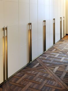 details + hardware + wood flooring | studio notarili, milano