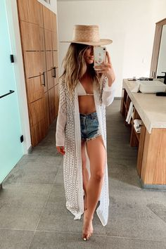 Boho Fashion, Fashion Outfits, Womens Fashion, Spring Fashion, Boat Party Outfit, Summer Outfits, Beach Outfits, Trendy Outfits, Vintage Jacket