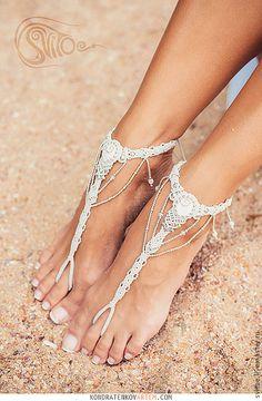 Macrame barefoot sandal for weddings by Svitoe