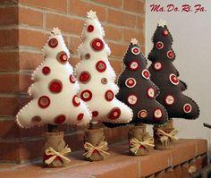 Natal com feltro! Felt Christmas Ornaments, Noel Christmas, Homemade Christmas, Felt Decorations, Christmas Decorations, Christmas Projects, Holiday Crafts, Christmas Sewing, Christmas Inspiration