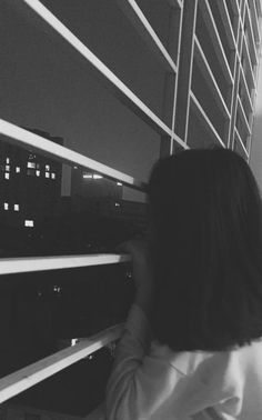 Things outside the window make me tired Aesthetic Photo, Aesthetic Girl, Aesthetic Pictures, Girl Photography Poses, Tumblr Photography, Ulzzang Couple, Ulzzang Girl, Foto Mirror, Hair Shadow