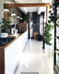 Dark, light, oak, maple, cherry cabinetry and wood kitchen cabinet trends. CHECK PIN for Many Wood Kitchen Cabinets. Contemporary Kitchen Design, Home Design, Interior Design Living Room, Contemporary Decor, Design Ideas, Room Interior, Luxury Interior, Modern Interior, Modern Design