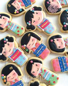 Mini Kokeshi Dolls - cookies by ONECAKEADAY
