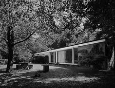 Booth House, Bedford NY (1946) | Architect : Philip Johnson (his first house) | Photo © Robert Damora