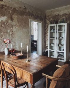 59 Best Rustic Dining Room Design Ideas - Page 6 of 59 - Decorating Ideas - Home Decor Ideas and Tips Dining Room Design, Dining Room Wall Decor, Industrial Apartment Decor, Rustic Dining Furniture, Rustic Dining Room, Rustic Furniture, Home, Dining Furniture, Home Decor