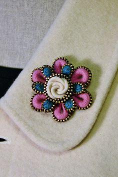 Felt and zipper  flower brooch ❤ by woollyfabulous on Etsy, $26.00