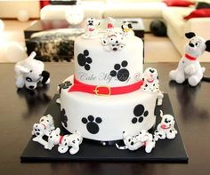 That is the cake I made for the second birthday of my friend's baby girl and I hope you can tell I really enjoyed doing it :)) So, ok, may be it is not all of the 101 dalmatians – just nine of them and two candles :) Fancy Cakes, Cute Cakes, Fondant Cakes, Cupcake Cakes, Fondant Dog, Fondant Figures, Rodjendanske Torte, Puppy Cake, Kolaci I Torte