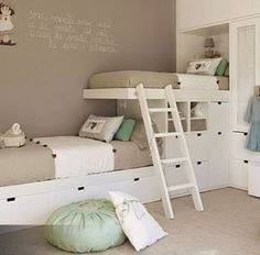 Bunk bed ideaminus it being in spanish The post 10 habitaciones infantiles con literas appeared first on Children's Room. Home Bedroom, Girls Bedroom, Bedroom For Twins, Small Shared Bedroom, Shared Closet, Bedroom Loft, Bunk Rooms, Kids Room Design, Bed Design