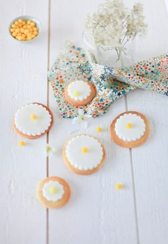 Cookies decorated with yellow beads of mimosa, yummy!!!!