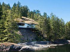 Casa Tula (Eric Peterson e Christina Munck) O casal ergueu seu lar a apenas 13 metros acima do Oceano Pacífico, na remota ilha de Quadra, na província de Columbia Britânica, Canadá.