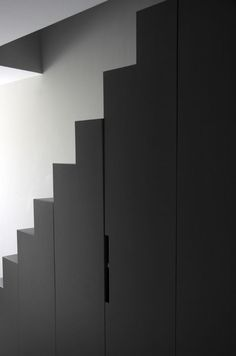 Projet Delphine Carrere - Rangements Escalier Stairs To Heaven, Under Stairs Cupboard, Multipurpose Furniture, Modern Bungalow, Modern Door, Interior Stairs, Stair Storage, House Stairs, White Rooms