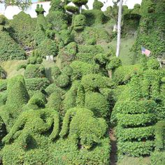 Mission Hills    Over 50 creatures and shapes populate Edna and Alex Harper's hillside topiary garden, which is open for viewing by the public. Your move, Edward Scissorhands.