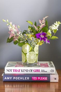 How to Make a Flower Arrangement With Sliced Limes   eHow