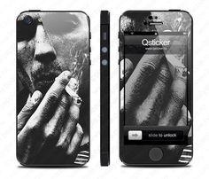 Виниловая наклейка для iPhone 5 Иван Князев - Smoking man  купить в интернет-магазине BeautyApple.ru.
