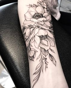Details on the flowers, line work could be thicker