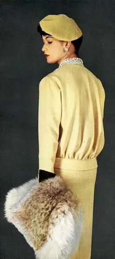 Jardin des Modes Magazine, January 1956 La Robe du Jour #EasyNip