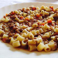 #Pasta con le #lenticchie, benvenuto #inverno!! #buonpranzo dallo staff di #ricettelastminute, anche se in ritardo! #love #food #instapic #instacool #instafood #instagood #me #carota #patate #italia #italy #sicilia #sicily #catania #photooftheday