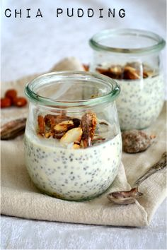 Chia Pudding w/ maple syrup, roasted almonds & dried figs | The Smoothie Lover