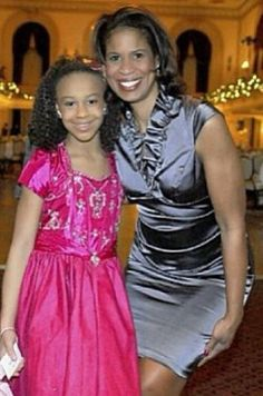 Nia and Holly Frazier