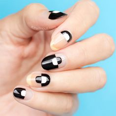 If you're a big fan of Negative Space nails, like I am, you will thoroughly enjoy our new nail art tutorial! This black and white Negative Space nail art. Red Nail Designs, Pretty Nail Designs, Art Designs, Glitter Gel Polish, Nail Polish Colors, Kylie Jenner, White Manicure, White Nails, Negative Space Nails