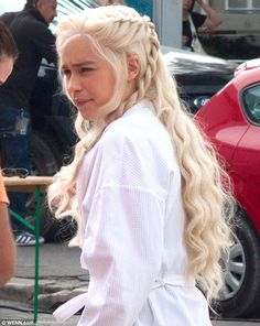 Game of Thrones character, Daenerys Targaryen! Love the show, love this character, love the hairstyle! Must try.