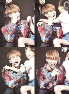 Sehun with lucky little fan so cute