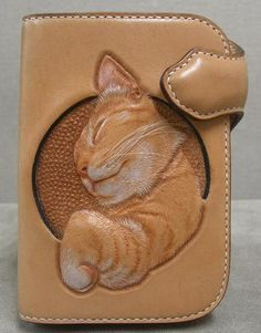 Ginger Cat Wallet in Tan Leather Leather Carving, Leather Art, Leather Gifts, Leather Bags Handmade, Leather Design, Tan Leather, Leather Tooling Patterns, Leather Pattern, Leather Purses