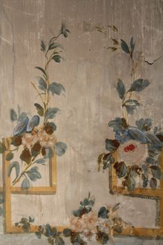 painted furniture / 18th century beauty