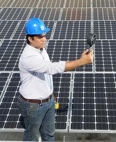 La entidad bancaria alcanza las 40 oficinas con paneles fotovoltaicos. Santo Domingo, D.N.- Como parte del fomento de prácticas de negocio medioambientalmente sostenibles, el Banco Popular Dominicano cerró 2014 con 40 oficinas fotovoltaicas en funcionamiento, las cuales proveen energía solar para alimentar sus procesos internos. Con estas oficinas ecoeficientes, la organización financiera supera así sus …