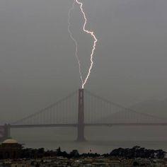 Lightning strikes the Golden Gate Bridge (photo courtesy of ABC7 News)