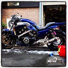 20140510VMAX洗車_01 Vmax Yamaha, Yamaha Bikes, Motorcycle Dirt Bike, V Max, Bike Rider, Hot Rides, Classic Bikes, Biker Girl, Street Fighter