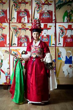 Korean Traditional Dress, Traditional Fashion, Traditional Design, Traditional Dresses, Korean Tattoos, Korean Painting, Ethnic Outfits, Korean Art, Culture