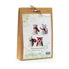 DIY craft kit which creates four animals. Craft Kits, Diy Kits, Craft Projects, Christmas Crafts, Christmas Decorations, Christmas Ornaments, Fun Crafts, Crafts For Kids, Felt Animals
